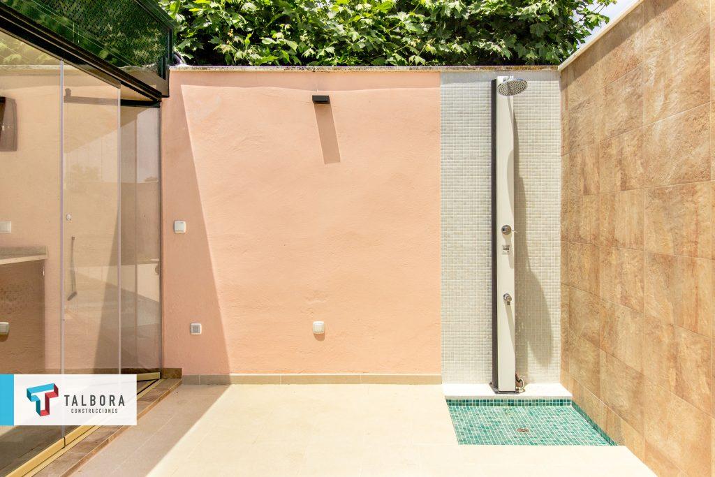 piscina ducha